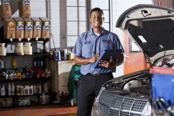 """Tổng hợp kinh nghiệm chăm sóc xe ô tô từ các tài xế """"lão làng"""""""